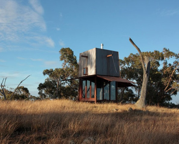 compact-house-in-australian-outback